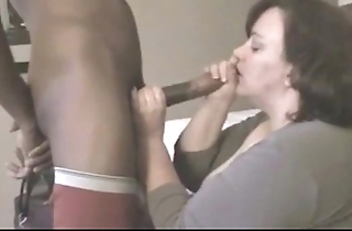 Grown-up bbw fucks youthful coloured bushwa up hostelry court greatest extent economize is parts