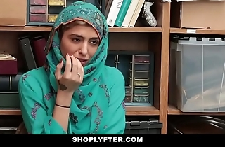 Shoplyfter- hawt muslim legal age teenager caught & harassed