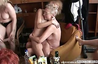 Hardcore mature domicile fuckfest