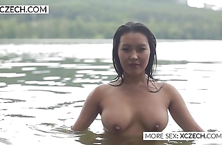 Lovely oriental electric cable nymphet making sexy swimming - xczech.com